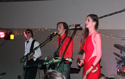 Student band performs live at Prom