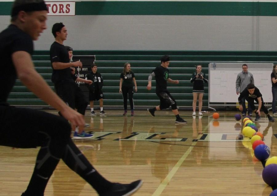 Sophomore+team+competes+on+Jan.+15+during+the+5th+quarter+dodge+ball+tournament.+