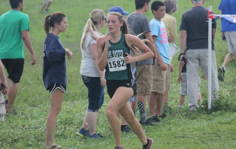 DHS cross country competes at Rim Rock Farm