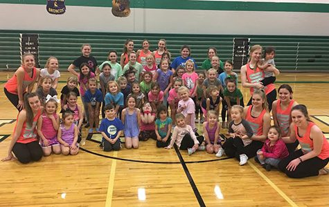 Dance team hosts junior clinic
