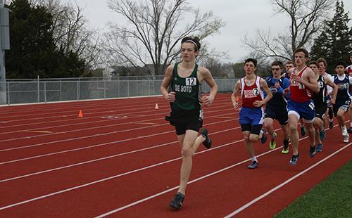 Sophomore Graham Hudelson races ahead in the 1600-meter run.
