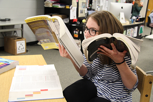 Junior Rylee Wilson crams for AP Exams. Photo by Micah Faulds.