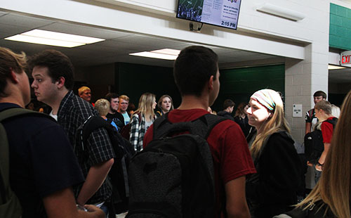 De Soto students walk through the crowded crossroads area of the main hallway following fourth block on Sept. 11.