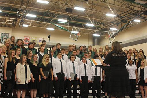 The De Soto High School choir performs in a concert on Mar. 27.