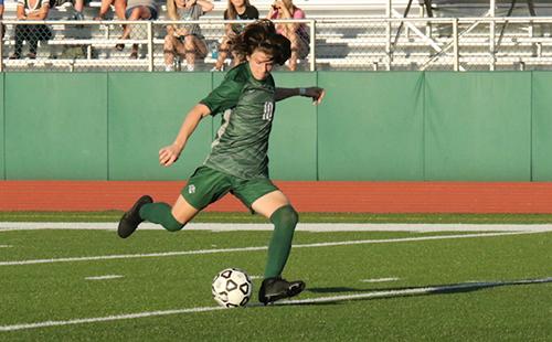 Junior transfer makes big impact on the boys' soccer team