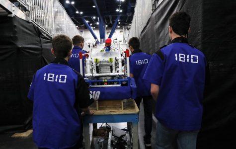 Jaguar Robotics Team 1810 fundraises for a successful season
