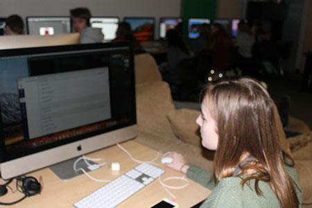 Sophomore Kaitlyn Johnson uses Canvas to work on her assignments for one of Drew Proctor's classes.