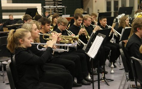 Band and choir perform despite weather holdbacks