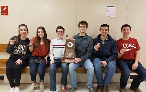 DHS varsity Scholars Bowl places first at UKC tournament
