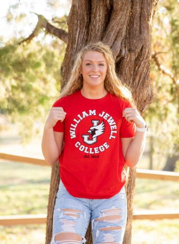 Senior Katelynn Ostronic recently committed to William Jewell College to further her academic and athletic career as a Division II basketball player.