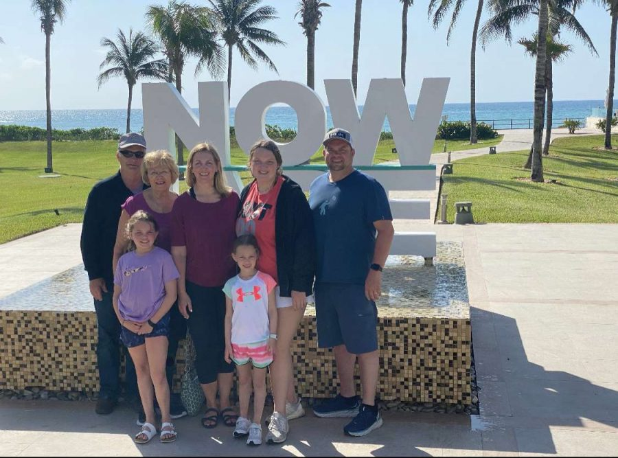 Junior Sheridan Christy and her family enjoying the nice weather in Cancun, Mexico over De Soto High School's spring break.